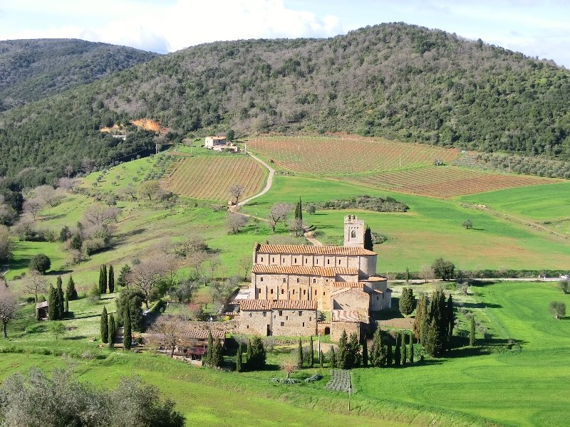 Castel-Brunello_Sant'Antimo01